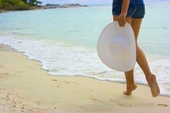 Madame sur la plage Photographie stock libre de droits