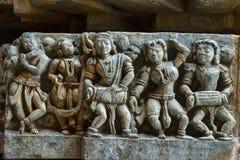 Madanikas of Dansende meisjes, Hoysalesvara-Tempel, Halebid, Karnataka, 12de Eeuw De tempel van Shiva Stock Foto