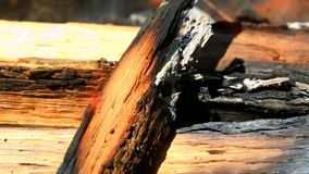 Madeira ardente na chamin? vídeos de arquivo