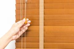 A madeira cega fechado à mão fotografia de stock