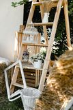A madeira do casamento desnucleia foto de stock royalty free