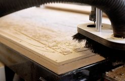 Madeira do CNC que cinzela máquinas Fotografia de Stock Royalty Free