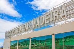 Madeira-Flughafen mit Beschriftung, Außenansicht Stockbild