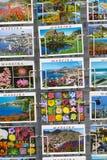 MADEIRA - 25. JUNI: Bunte Madeira-Postkarten angeboten für Verkauf Lizenzfreie Stockbilder