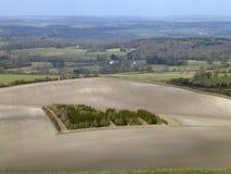 Madeira pequena cercada pelo campo gredoso em Berkshire ocidental Fotografia de Stock Royalty Free