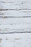 Madeira pintada branca velha fotos de stock