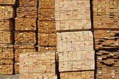 Madeira serrada empilhada Foto de Stock