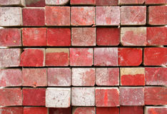 Madeira serrada pintada vermelha imagem de stock royalty free