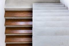 Madeira superior concreta da escada Imagens de Stock Royalty Free