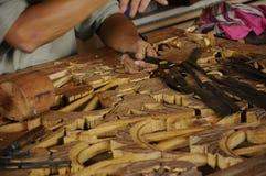 Madeira tradicional malaia que cinzela de Terengganu Foto de Stock Royalty Free