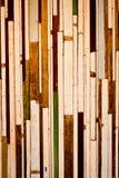 Madeira velha a uma parede Foto de Stock Royalty Free