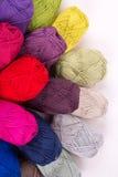 Madejas coloridas del hilado Fotos de archivo