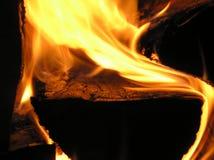 Madera ardiente Imagen de archivo libre de regalías
