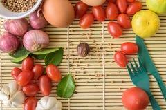 Madera de Tamato del huevo de la comida Foto de archivo libre de regalías