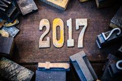 Madera 2017 del concepto y letras aherrumbradas del metal Fotografía de archivo libre de regalías