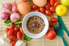 Madera del tomate del huevo de la comida Imagenes de archivo