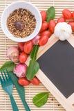 Madera del tomate del huevo de la comida orgánica Imagenes de archivo