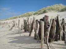 Madera en la playa Imágenes de archivo libres de regalías