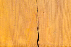 Madera laqueada con una grieta Fotografía de archivo libre de regalías