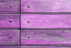 Madera y clavos rosados Fotos de archivo