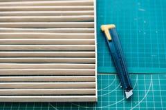 Madera y cortador fijados para los modelos de la arquitectura Fotografía de archivo libre de regalías
