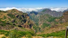 Madiera, paysage montagneux renversant du Portugal images libres de droits