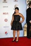Madison De La Garza, der zu den 2011 NCLR ALMA Preisen kommt, hielt an Stockfoto