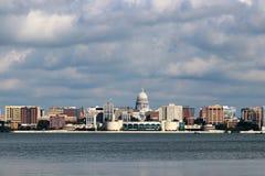 Madison i stadens centrum horisont Royaltyfri Fotografi