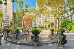 Madison Square Park na 5a avenida Vistas urbanas de New York EUA foto de stock