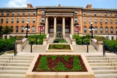 MADISON, WI - 20 JULI, 2014: De mooie ingang aan het landbouwgebouw bij de Universiteit van Wisconsin, Madison Campus Stock Foto