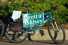 MADISON, WI - 3 luglio 2014: Candidato per la bici di Wisconsin Brett Hulsey Fotografia Stock