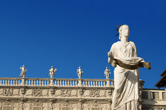 Madonna Верона и Palazzo Maffei - Верона Италия стоковые фотографии rf
