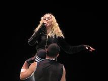 Madonna all'interno del concerto in tensione Immagini Stock