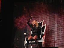 Madonna all'interno del concerto in tensione Fotografia Stock Libera da Diritti