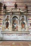 Madonna con il bambino da Bonino da Campione nella chiesa del degli Eremitani di Eremitani Chiesa sulla tomba di Umberto da immagini stock