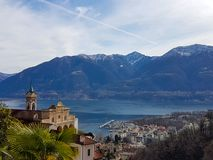Madonna del Sasso από τη λίμνη Maggiore στοκ φωτογραφία με δικαίωμα ελεύθερης χρήσης