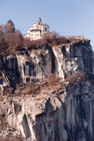 Madonna Del Sasso, berühmter italienischer Grenzstein Stockfoto