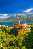 Madonna del Sasso Church a Locarno, lago Maggiore & x28; Lago Maggiore& x29; ed alpi svizzere nel Ticino, Svizzera Fotografia Stock Libera da Diritti