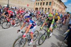 Madonna di Campiglio Italia 24 maggio 2015; Yrkesmässiga cyklister under Postgirot D'Italia Fotografering för Bildbyråer