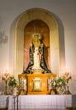 Madonna en altar católico Foto de archivo libre de regalías