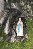Madonna en la cueva de Lourdes Fotografía de archivo