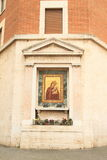 Madonna med behandla som ett barn Jesus i Rome Arkivbilder