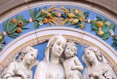 Madonna mit Kind und zwei Engeln Stockfotografie