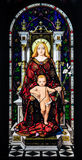 Madonna y niño entronizados. Fotos de archivo libres de regalías
