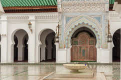 Madrasa Bou Inania i Fez, Marocko Royaltyfri Fotografi