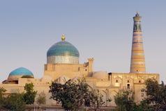 Madrasah y alminar del Islam Khodja foto de archivo