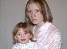 Madre adolescente/hermanas Fotografía de archivo