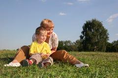 Madre con el muchacho Imagenes de archivo