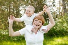 Madre con el niño fotografía de archivo libre de regalías
