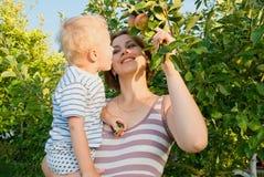 Madre con il bambino. Fotografia Stock Libera da Diritti
